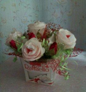 Цветы с конфетами внутри