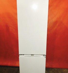 Холодильник б/у Аристон