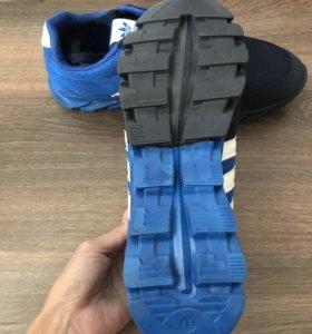 Новые кроссовки , размер 42,5