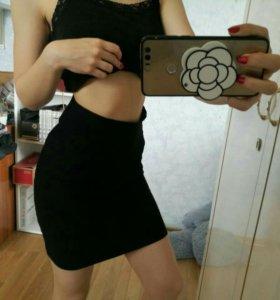 Черная обтягивающая юбка