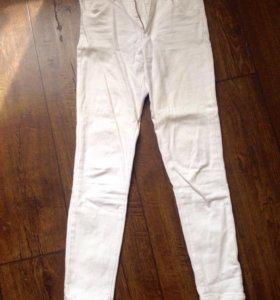 Белые летние джинсы