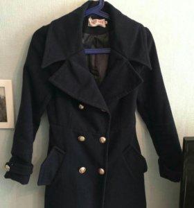 Пальто женское. Размер S. Б/у
