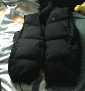 Жилетка зимняя мужская adidas XL