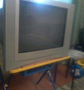 Телевизор.горизонт.в хорошем рабочем состоянии
