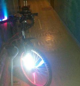 Велосипед с индивидуальной подсветкой