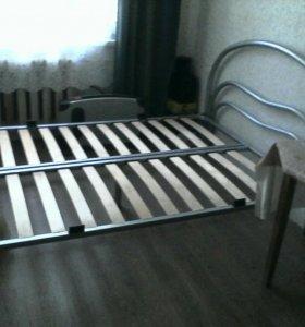 Кровать двухспальная с матрасом