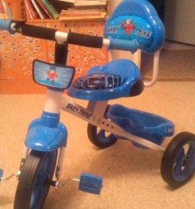 Новый трехколесный велосипед
