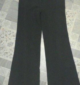 Классические расклешонные брюки.