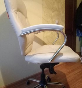 Кресло офисное -компьютерное