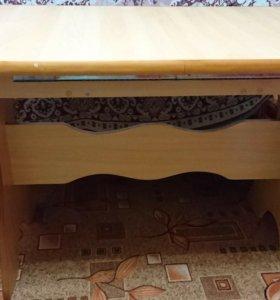 Продам кухонный раздвижной стол