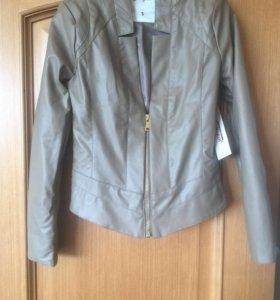 Новая женская кожаная куртка 42-44