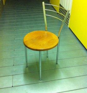 Комплект кухонных стульев