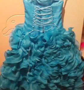 Платье с кольцами для девочки