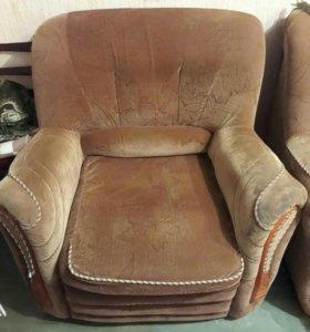 Диван и две кресло