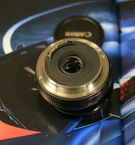 Canon 40 mm 2.8 STM
