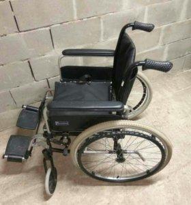 Кресло инвалидное,трости,памперсы