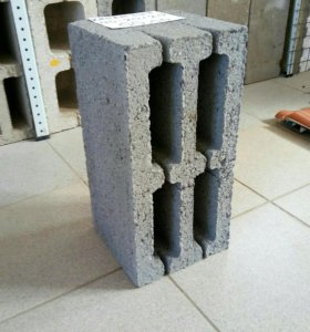 Блок керамзитобетонный М-75 размер 40*20*20