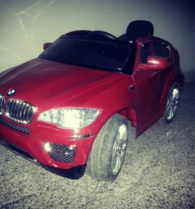 Машина на аккумуляторе BMW X6