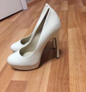 Туфли Mascotte молочного цвета