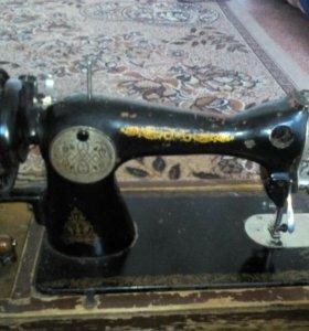 Швейная машинка пр/ва СССР в не рабочем состоянии