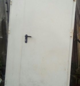Продам дверь б/у