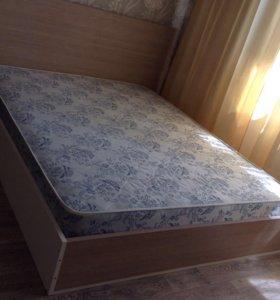 Кровать двуспальная и матрац