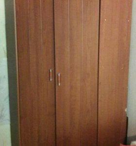 Шкаф угловой б/у (есть недочет)
