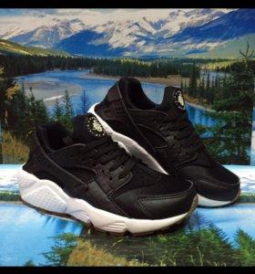 Nike air Huarache black (36-40)