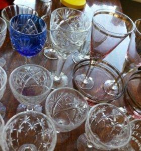 Хрустальные рюмки и бокалы и стаканы