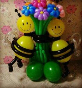 Пчела с букетом из шаров 550 руб