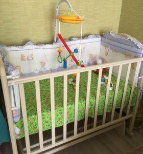Кроватка с матрасом и бортами,балдахином