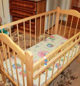 Детская кровать с маятником б/у. Обвес и матрас.