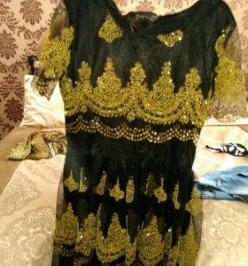 Платье новое одевала 1 раз. В отличном состоянии