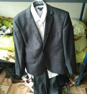 Строгий костюм (Классический костюм)