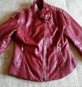 Стильная кожаная курточка.Утепленная-.на 44-46