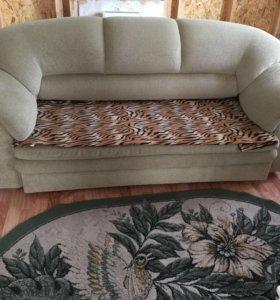 Продам диван раздвижной+2 кресла