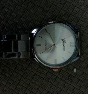 Часы мужские наручные.