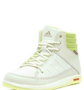 Ботинки новые оригинальные Adidas с подошвой tirex