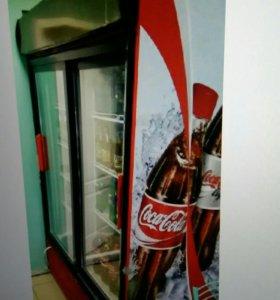 Большой холодильный шкаф с 2 дверями, срочно.
