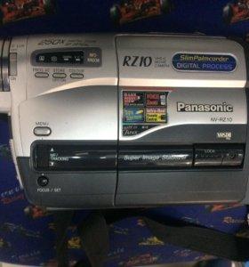 Видеокамера Panasonic RZ10