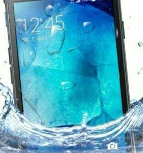 Противоуданый смартфон Samsung Galaxy x cover