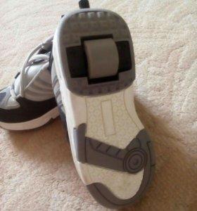 Кроссовки с роликами детские