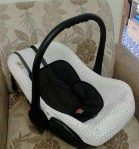Авто кресло для малышей до 3 лет