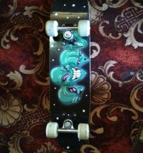Продам скейт с защитой срочно!!!