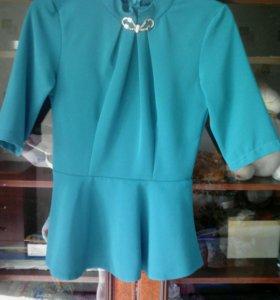 Нарядная блузка с баской