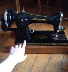Швейная машинка !!!