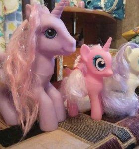 Игрушки пони.