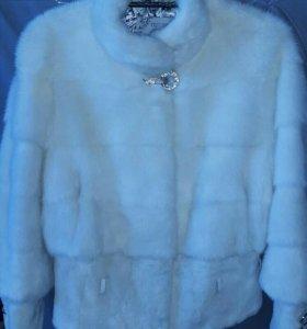 Норковая шуба белая поперечная 46 р