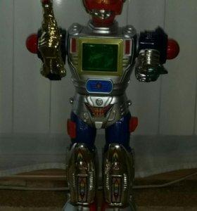 Звуковой шагающий робот.