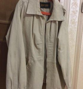 Кожаная куртка новая  M